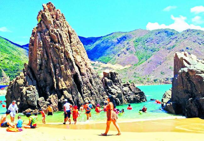 Phát triển du lịch trở thành ngành kinh tế quan trọng của tỉnh